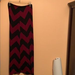 Maxi skirt black and red size medium